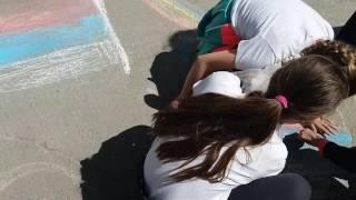 Дети творят добро! Рисунки на асфальте ко Дню города, который совпал с Днём победы!