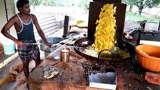 Смотреть онлайн Как жарят бананы в Индии
