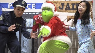 Pretend Play Police THE GRINCH Unlock the Jail Playhouse for Stealing