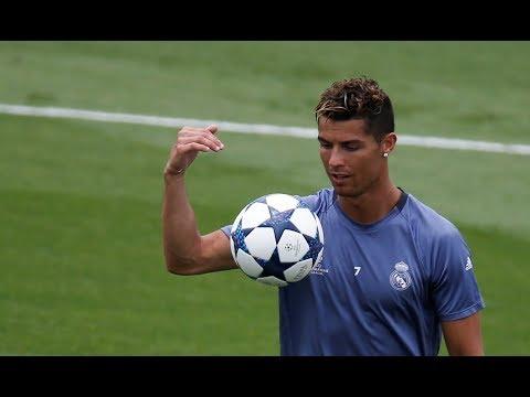 Cristiano Ronaldo ● Freestyle & Crazy Tricks 2018
