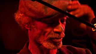 Gil Scott-Heron - We Almost Lost Detroit & Work for Peace (HD Live, Le New Morning)