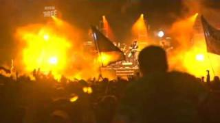 Arctic Monkeys - You Probably Couldn't See For The Lights (...) [live at Reading Festival 2006]