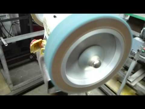 Schleifen, satinieren, polieren von Niro/Edelstahl auf Poliermaschine - Radex DM 198, Vliesband