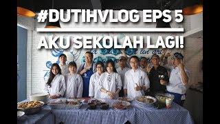 Gambar cover EPS 5 #DUTIHVLOG - AKU SEKOLAH LAGI!!!
