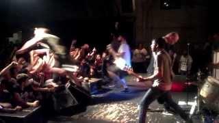 ETID- Romeo a go-go -DALLAS (stage dive)