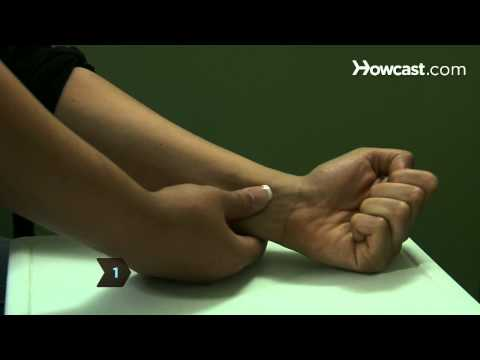 Video How to Relieve Nausea with Acupressure