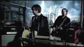 THE TREWS - Hold Me In Your Arms
