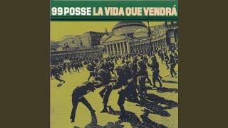 Kadr z teledysku A una donna tekst piosenki 99 Posse