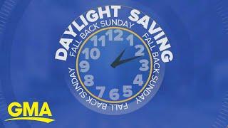 Setting clocks back as daylight saving time ends | GMA