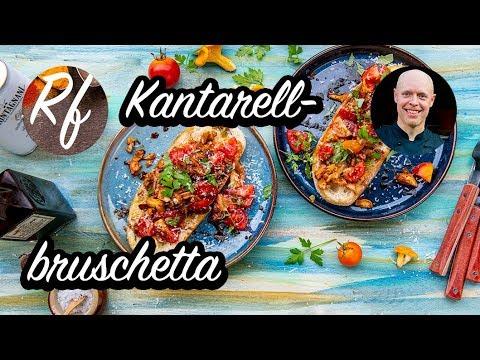 Kantarellbruschetta är min variant på vanlig bruschetta fast med goda svenska smörstekta kantareller på toppen.>