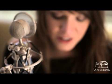 Laura Jansen - Single Girls | Live at OnAirstreaming