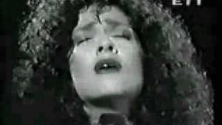 Anna Vissi & Gloria Gaynor - Silent Night (Άγια Νύχτα)
