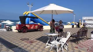 Как оборудован Центральный пляж в Лазаревском, Сочи. Видеообзор 2018, июнь