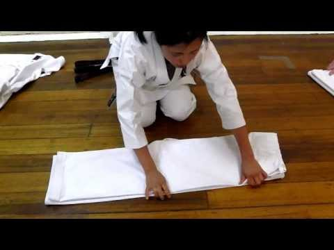 How to fold Karate Gi [Karate uniform]