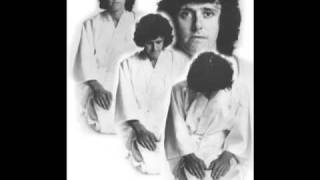 Donovan - Life Goes On