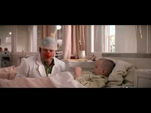 Preview video Patch Adams con Robin Williams