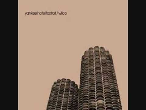 Kamera performed by Wilco