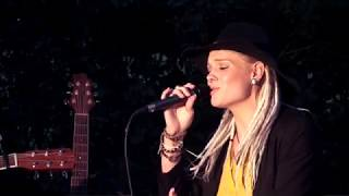 Michel - Anouk (Cover by Angie White)