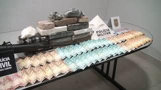 Uma operação conjunta entra as polícias Civil e Militar resultou na prisão em flagrante de duas pessoas por tráfico de drogas e na apreensão de uma grande quantidade de drogas em Patos de Minas.