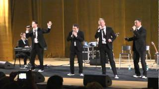 Glory To God In The Highest - Ernie Haase & Signature Sound