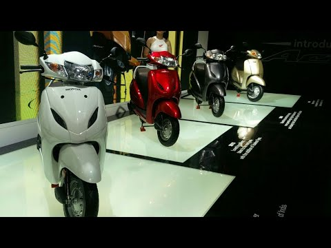 Motoroctane Youtube Video - Honda Activa 5G vs Activa 4G vs Activa 3G vs 2G vs Activa | Auto Expo 2018 | MotorOctane