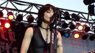 "JOAN JETT AND THE BLACKHEARTS Live - ""Cherry Bomb"" / ""You Drive Me Wild"" - 6/25/10"