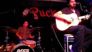 Ari Hest - The Weight (live at Puck)
