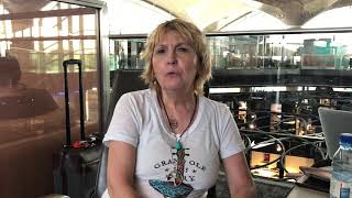 preview picture of video 'Heartwarming Hospitality in Jordan - Lea Chapin Live from Amman Airport'