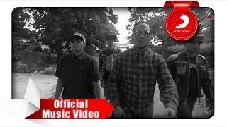 Fade2Black - Pasti Bisa! (Official Music Video)