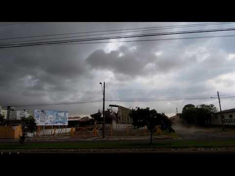 Rafa Lavacar em Araranguá destruída por uma rajada
