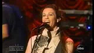 Alanis Morissette - Interview - 21 things I want in a lover