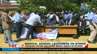 Lecturers, varsity staff down tools - VIDEO