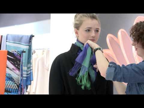 Как завязать платок и как подобрать платок к пальто • Мастер-класс