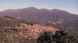 preview picture of video 'Descobreix el patrimoni de Sant Pere de Vilamajor, al Montseny'