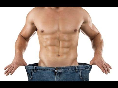 Los ejercicios para el adelgazamiento del hombre en las condiciones de casa