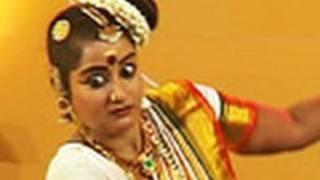 Mohiniyattam by Rachitha Ravi