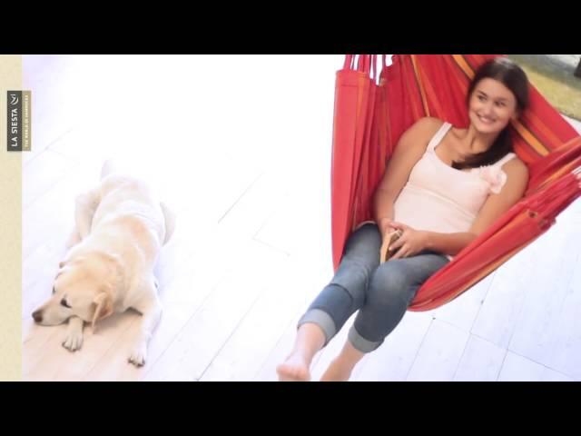 Видео Гамак La Siesta Currambera подвесной сидячий cherry