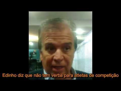 Atletas e treinadores durante reunião na Câmara de Rio Preto para criticar cortes no auxílio-atleta
