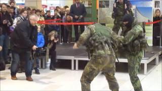 AČR Avion Shopping Park Ostrava 21.1.2012  Ukázka Bojového umění Musado