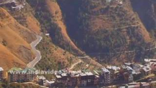 Buildings and the road to Shimla city