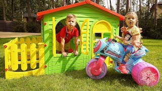 Diana and Roma Pretend Play with PlayHouse for children