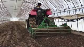 メロン畑をパワーハローで耕す!:北海道 富良野 メロン農家の寺坂農園