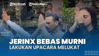 Jerinx Bebas Murni Dijemput Ayahnya, Cium Kaki Ibu saat Lakukan Upacara Melukat