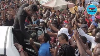 Shatta Wale celebrates birthday with fans at Nima Market - Highlights