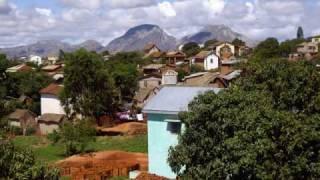 preview picture of video 'Madagascar, au début était le voyage'