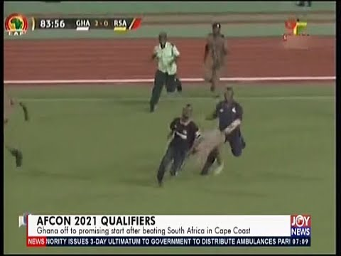 Pitch-Invader evade security officials to disrupt Ghana-South Africa game (15-11-19)