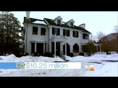 Living Large: A Sprawling Mansion In Southampton