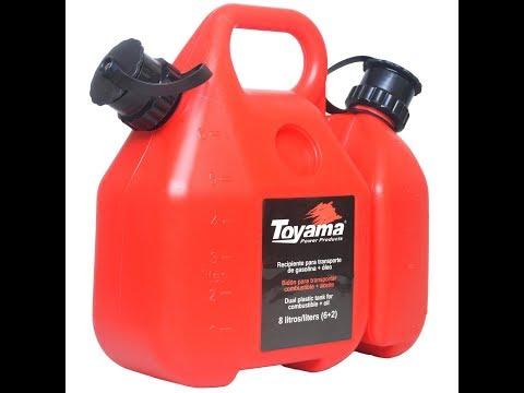 Bidão, galão com capacidade p/ 6 litros de gasolina e 2 litros de óleo 2 tempos, com bico especial para abastecimento.  O Galão (tanque) duplo Toyama pode transportar 6 litros de gasolina mais 2 litros de óleo e seus reservatórios podem ser separados facilitando o seu manuseio e armazenamento. As tampas são presas com alças ao bidão e os bicos podem ficar internos ou externos e possuem válvulas de segurança que impedem o vazamento quando o recipiente está cheio, podendo ser transportado com segurança.   - Os Reservatórios podem ser separados - Tampas presas com alças emborrachadas - Sistema de proteção contra transbordamento - Os bicos são bipartidos e diminuem a pressão durante a vazão     Características do Recipiente para transporte de combustível e óleo AL-10003 Toyama  - Capacidade máx. reservatório de óleo: 2,5 L - Capacidade máx. reservatório de combustível: 6 Litros - Peso: 2 kg