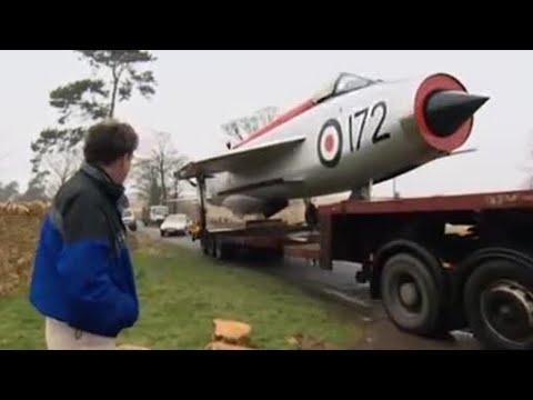 Jeremy's jet fighter garden feature | Speed | BBC