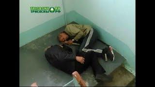 Жильцы дома №36 на улице Строителей не знают, как избавиться от бомжей